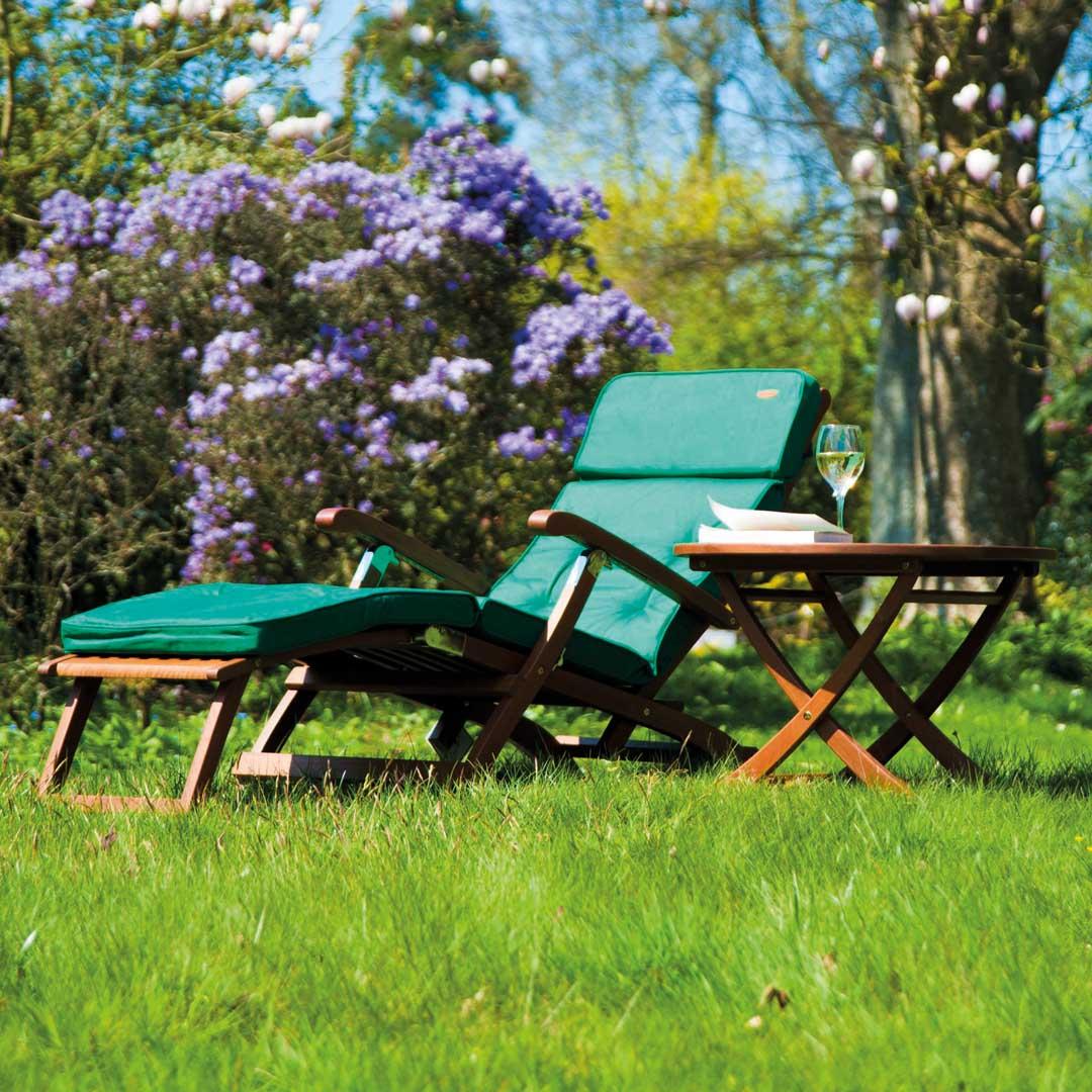 deckchair alexander rose cornis liegestuhl mit fu teil holzstuhl vom gartenm bel fachh ndler. Black Bedroom Furniture Sets. Home Design Ideas