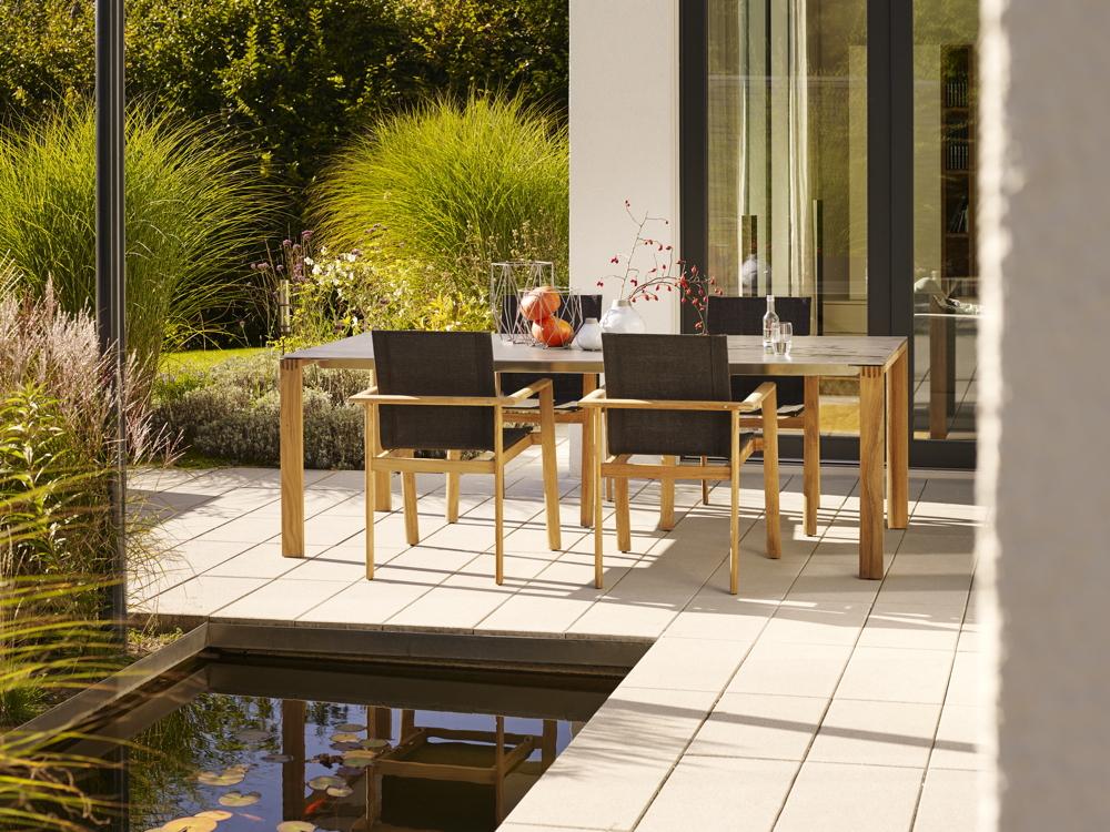 gartenstuhl solpuri safari stapelsessel teakholz textilene vom gartenm bel fachh ndler. Black Bedroom Furniture Sets. Home Design Ideas