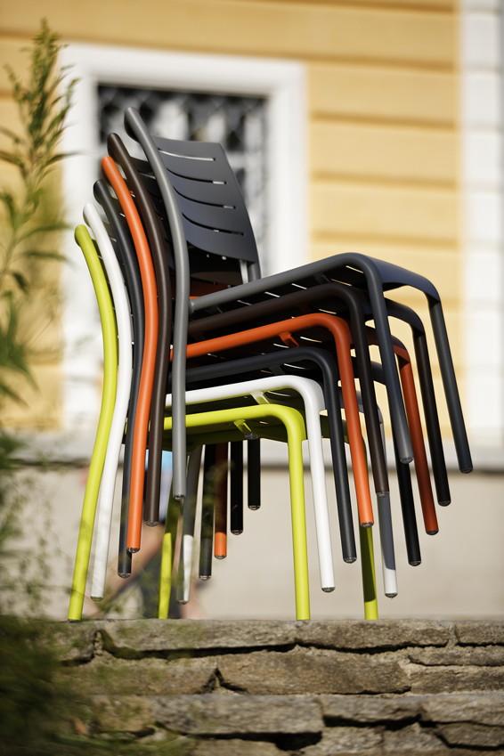 gartenstuhl diamond garden kingston alu stapelstuhl wei aluminiumsessel ebay. Black Bedroom Furniture Sets. Home Design Ideas